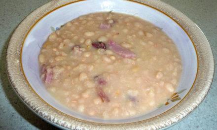 Deftige Bohnensuppe für kalte Wintertage