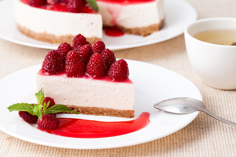Himbeer-Joghurt-Torte mit weißer Schokolade (No-Bake-Rezept)