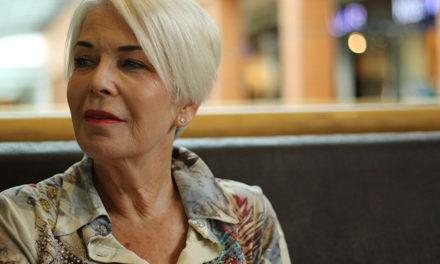 Sind lange Haare für ältere Frauen ein Tabu?