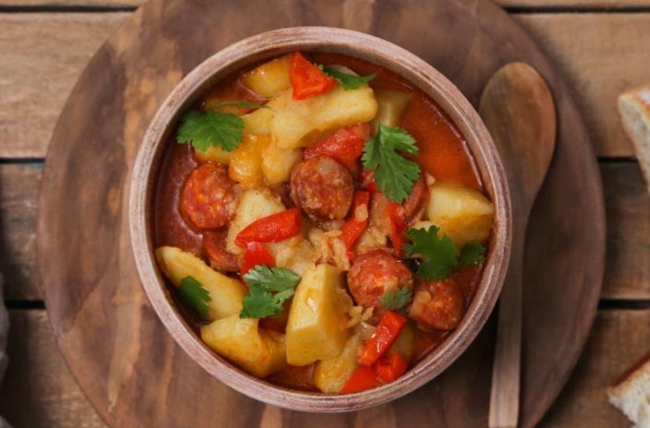 Eintopf mit Möhren und Kartoffeln – ideal für kalte Wintertage