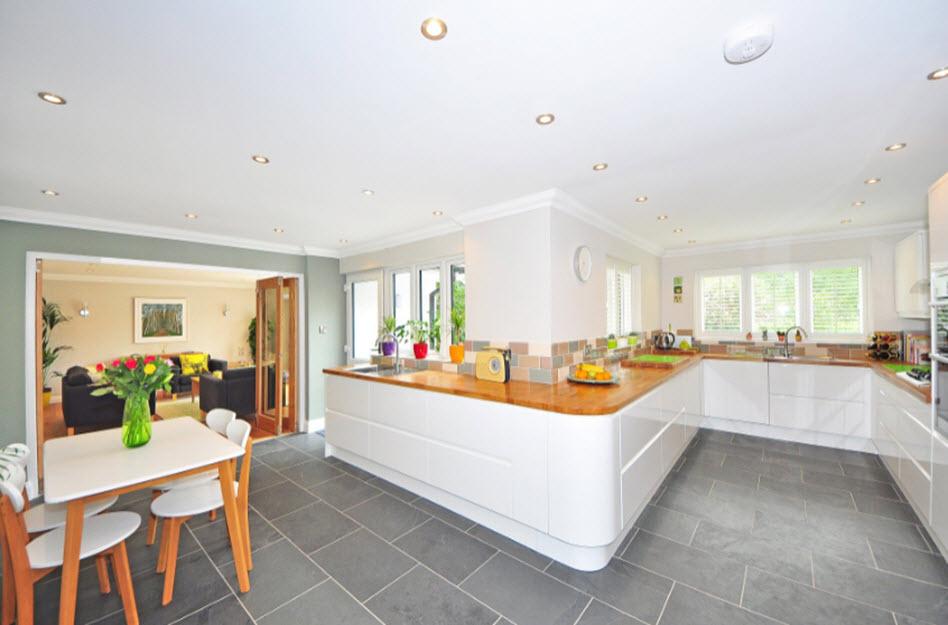 Spanndecken für die Küche – praktisch und attraktiv