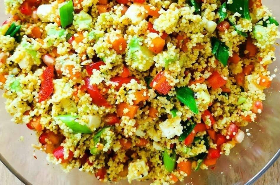 Couscous Salat mit Feta und frischem Gemüse